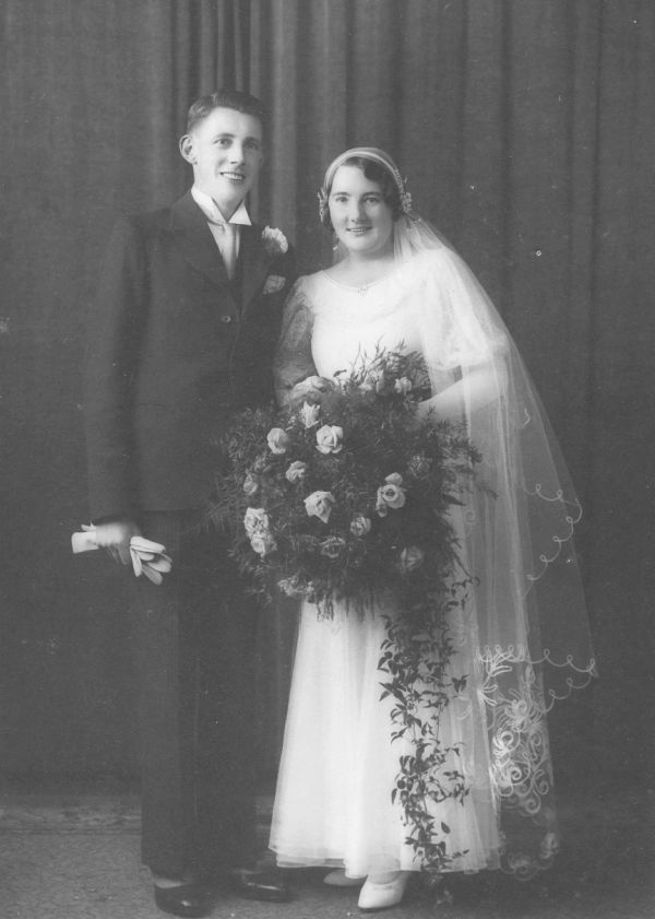 Norman and Doris on their wedding day, 1933.