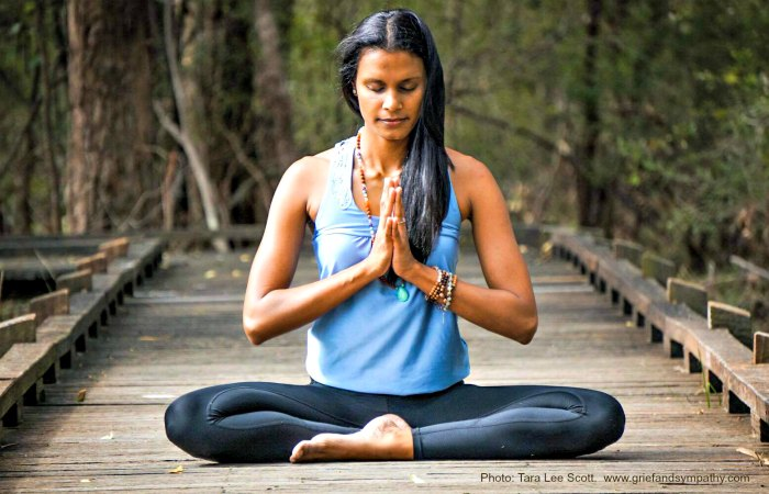 Yoga pose - crossed legged - Anjali mudra